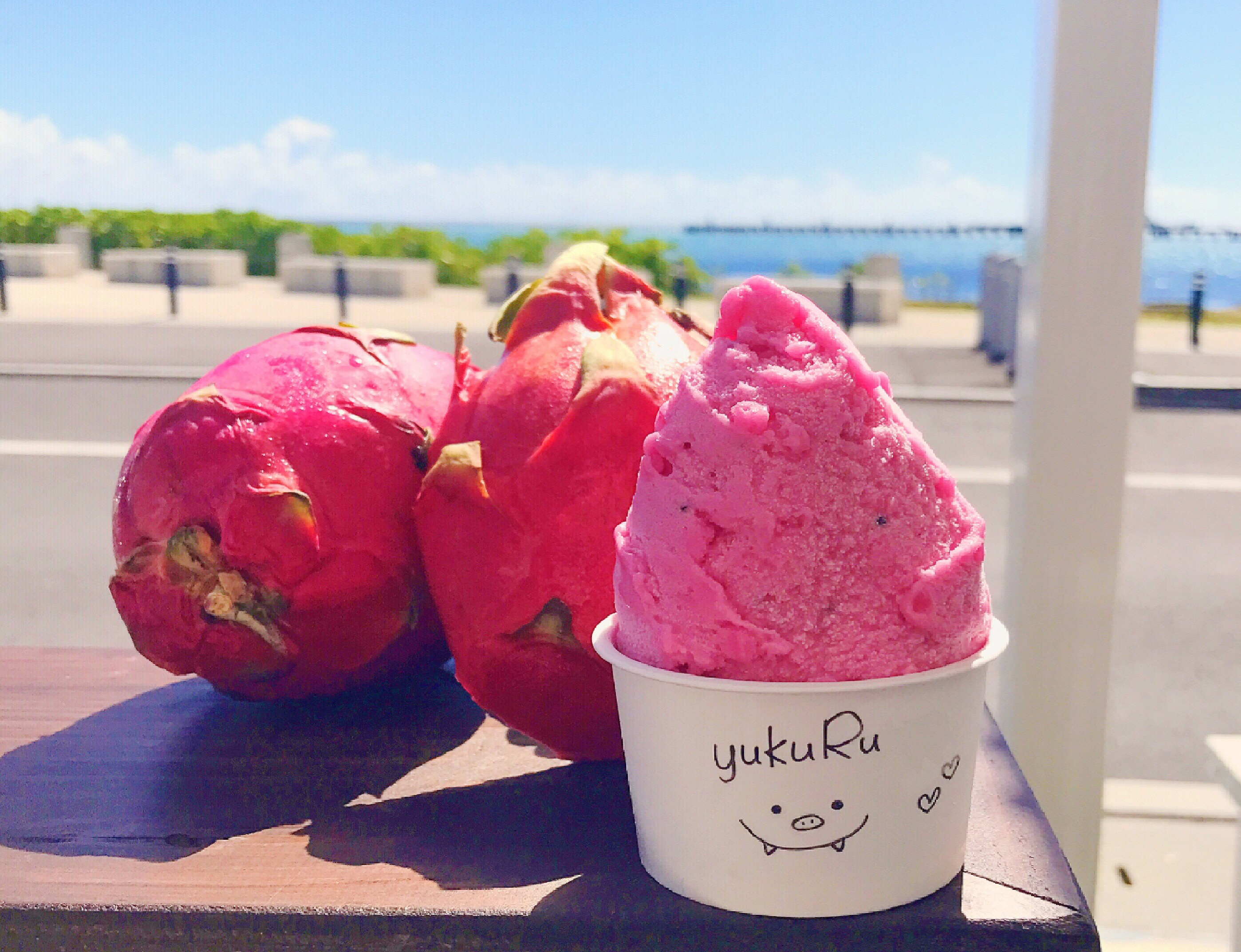 把冲绳县生产食材用于的手制的冰淇淋♪